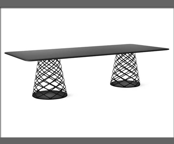 table-ayoama-by-paul-leroy