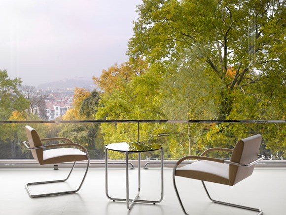brno-lounge-chair-terrasse-villa-tugendhat