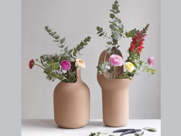gardenias-vases-by-jaime-hayon